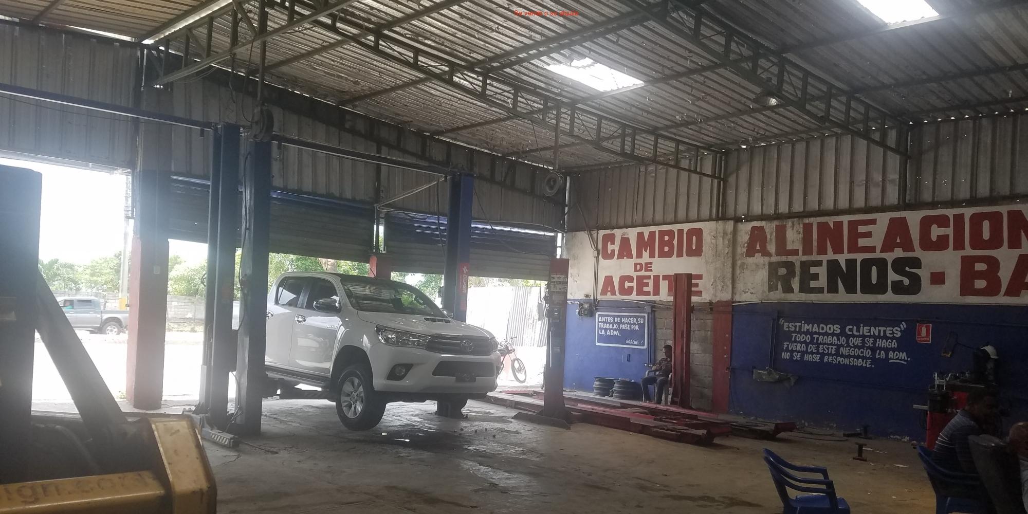 Centro De Servicios En La Jacobo Majluta